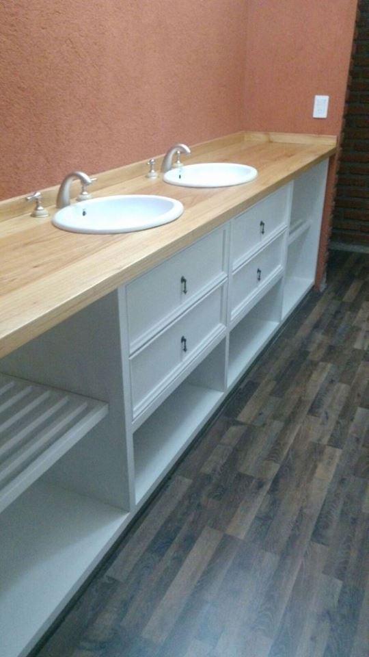 lava manos con base de madera